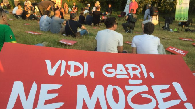 "Trbina u NS: ""Vidi, Gari, ne može!""(VIDEO, FOTO) 4"