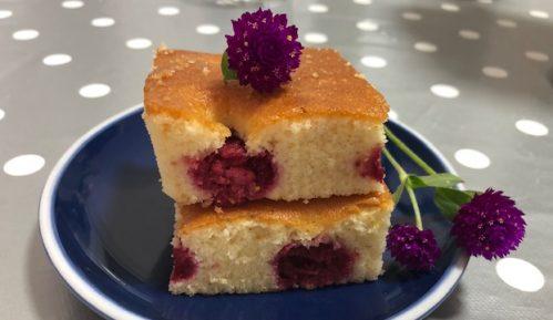 Pom poms - brzi kolač sa malinama (recept) 8