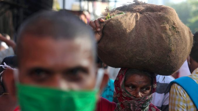U Indiji novi skok zaraženih korona virusom, više od 94.000 u jednom danu 4