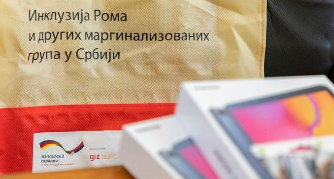 GIZ: Donirana opremu za pohađanje obuka o suzbijanju diskriminacije nad Romima 4