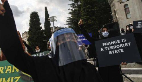 U Istanbulu protest zbog karikatura proroka Muhameda u Šarli ebdou 3