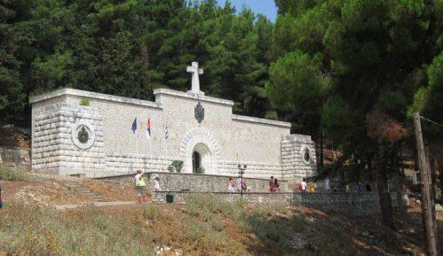 Položeni venci kod spomen kosturnice na Vidu i u Plavu grobnicu 4