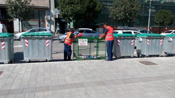 Obnavljaju žičane kontejnere za plastičnu ambalažu u Pirotu 3
