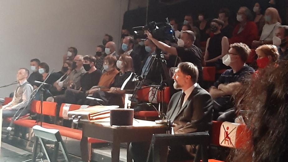 """Premijera predstave """"Srebrenica. Kad mi ubijeni ustanemo"""" održana u CZKD-u (FOTO) 3"""