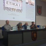 Radovanović: Opsednuti smo politikom koja nas guši 15