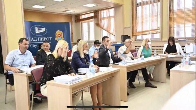 Na prvoj sednici novog Gradskog veća Pirota usvojene značajne odluke 2