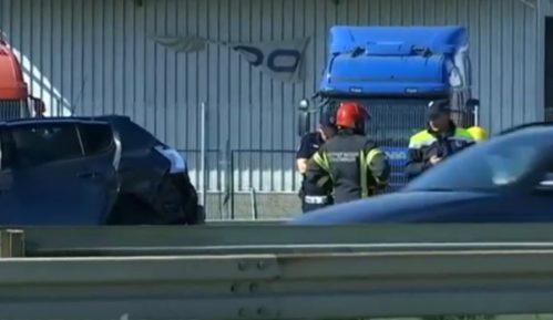 Teška saobraćajna nesreća kod Dobanovaca, dvoje poginulo 6