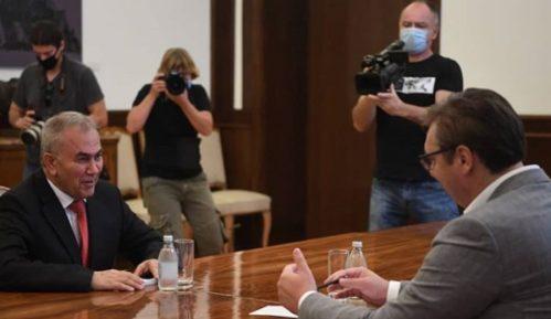 Vučić sa palestinskim ambasadorom o Kosovu 14
