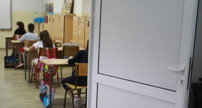 Čekao rezultat testa na kovid, a došao u školu 4