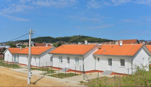 Uz podršku EU, 12 romskih porodica u Prokuplju dobilo nove stanove 12