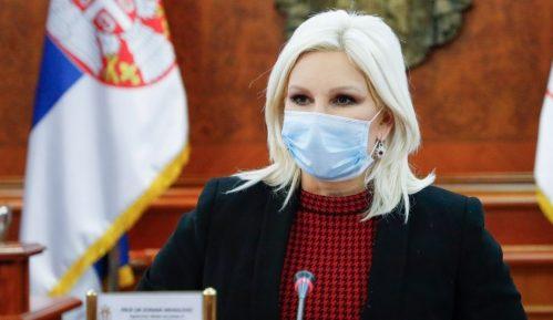 Mihajlović: Izmenama zakona poboljšati položaj žena na selu 4