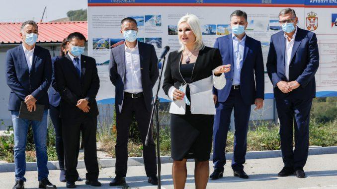 Mihajlović: Do kraja godine u saobraćaj puštamo 7,7 km od mosta Ostružnica do petlje Orlovača 3