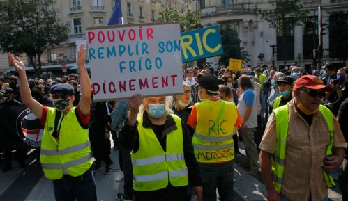 """U Francuskoj 25 uhapšenih zbog protesta """"Žutih prsluka"""" 6"""