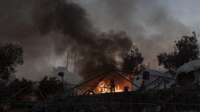 Malo ostalo od grčkog izbegličkog kampa Morija posle drugog požara 1