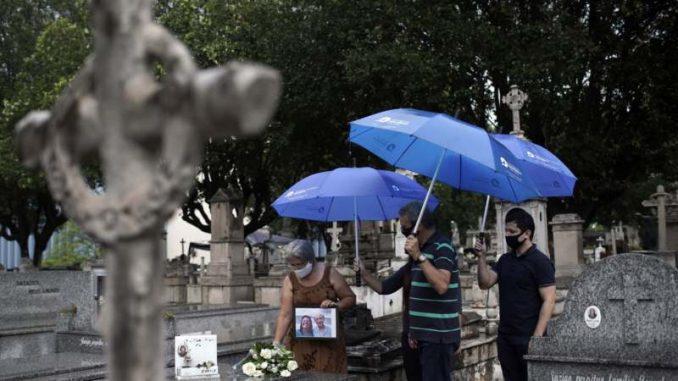 Brazil:  Spomenik beskonačnosti za preminule od korone 1