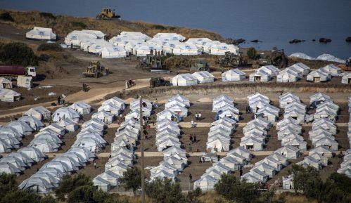 Više od 5.000 migranata iz centra Morija prebačeno u novi kamp na Lezbosu 3