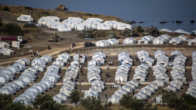 Više od 5.000 migranata iz centra Morija prebačeno u novi kamp na Lezbosu 15