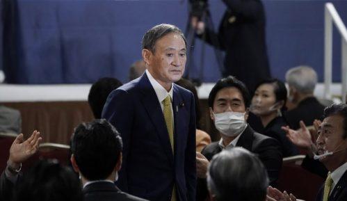 Suga i Tramp razgovarali telefonom o saradnji Japana i SAD 15