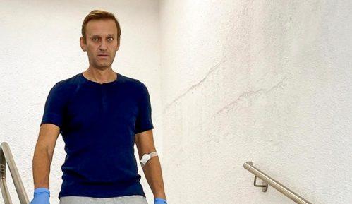 Merkelova je posetila Navaljnog dok je bio u bolnici 9