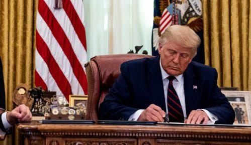 Tramp potpisao pismo Hotiju u kojem pozdravlja njegovu hrabrost 13