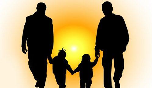 U Hrvatskoj prvi put gej par dobio status hranitelja dvoje dece 4