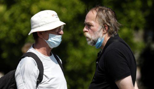Češka: Nošenje maski na otvorenom i u automobilima od danas obavezno 11