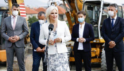 Mihajlović: Za dve godine 8.000 stanova za pripadnike službi bezbednosti 15