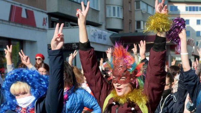 Više od 300 osoba uhapšeno na maršu žena u Minsku 3
