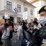 U Zagrebu na gej paradi zahtevano za izjednačavanje prava svih porodica (FOTO) 12