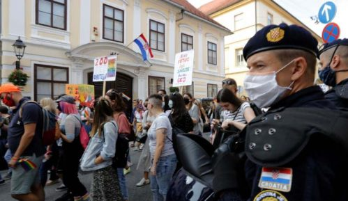 U Zagrebu na gej paradi zahtevano za izjednačavanje prava svih porodica (FOTO) 2