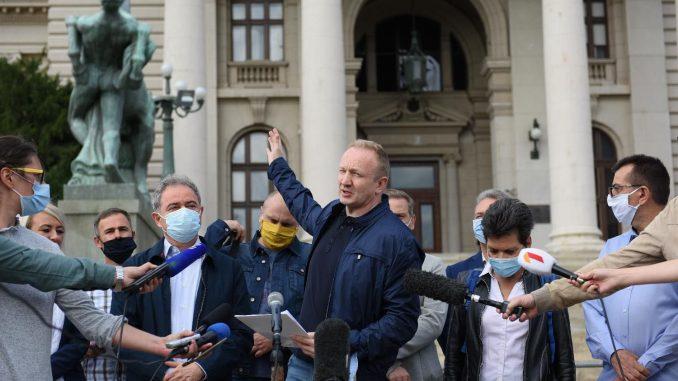 Opozicija najavu o spajanju izbora 2022. na tri nivoa vidi kao znak krize vlasti 3