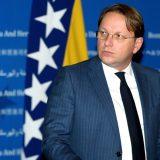 Varhelji stigao u Sarajevo, uručio prvi kontingent vakcina iz EU za BiH 10