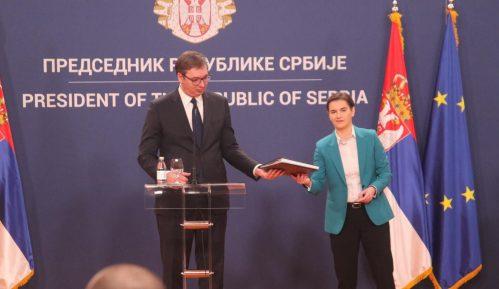 """""""Bezobrazno je poređenje Vučića i Đinđića"""" 11"""