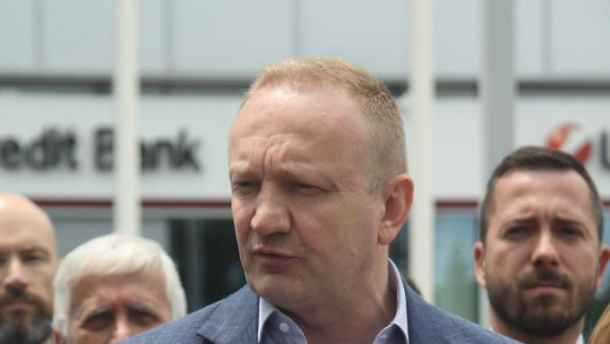 Đilas: Vučić ne sme da se suoči na sudu sa mnom jer je kukavica i lažov 9
