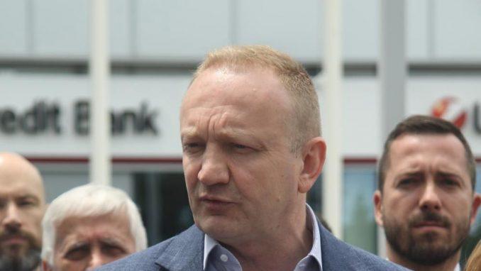 Đilas: Vučić ne sme da se suoči na sudu sa mnom jer je kukavica i lažov 2