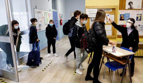 Italija produžava restrikcije, odložen povratak u gimnazije 6
