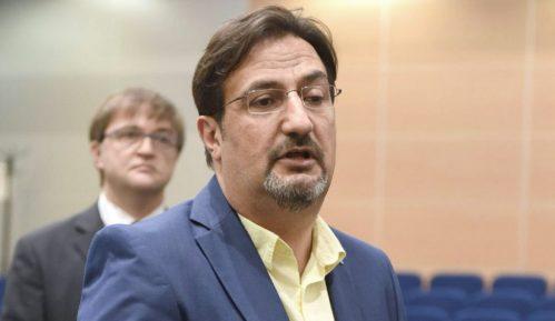 Aris Movsesijan: Scenarista stranke 14