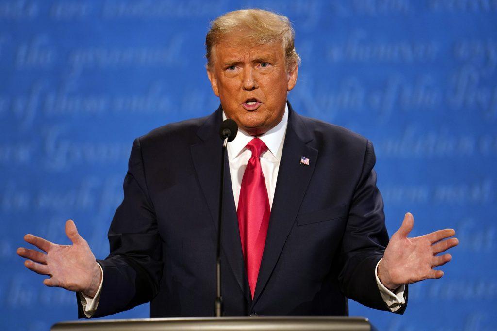Oštro, ali pristojno sučeljavanje Trampa i Bajdena u poslednjoj debati 5