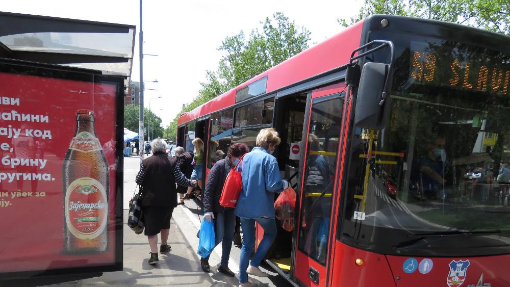 Vesić: U svakom autobusu dozer za dezinfekciju, počelo ozoniranje vozila 1