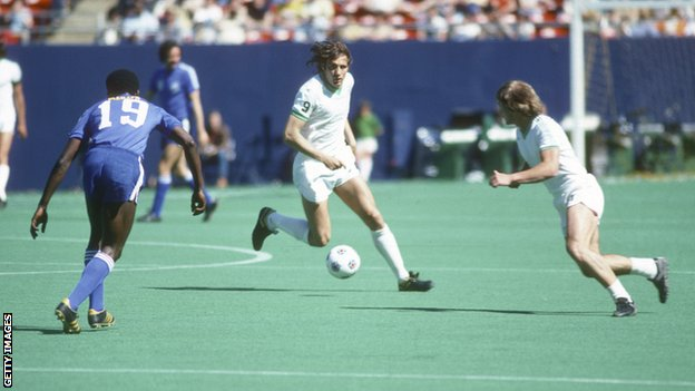 Chinaglia, pictured in 1977 at the Giants Stadium