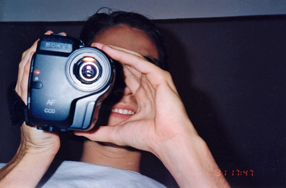 Majls Hargrouv sa svojom kamerom