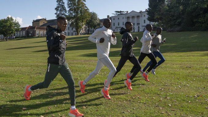Korona virus i maraton u Londonu: Atletičari sa uređajem za fizičko distanciranje 4