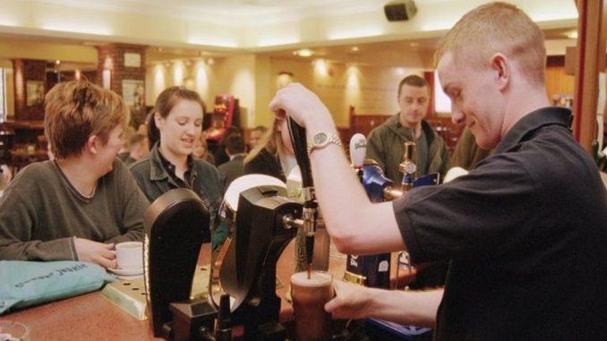 Korona virus: U Srbiji preminule još dve osobe, Pariz zatvara barove na dve nedelje 3