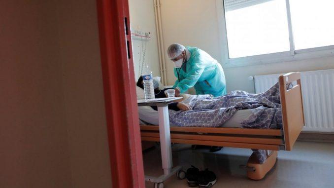 Korona virus: Drastičan skok broja zaraženih u Srbiji, vanredno stanje u Francuskoj, papa obećao da će držati fizičku distancu 4