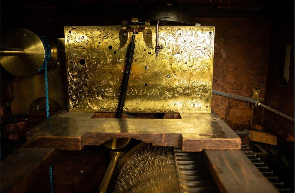 The inner workings of an organ clock