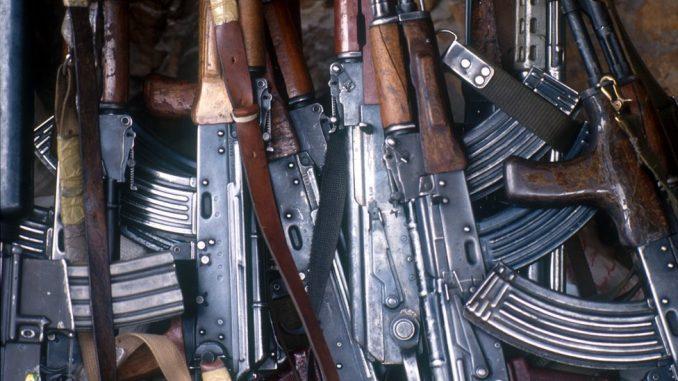 """Trgovina oružjem, Slobodan Tešić i FinCEN dosijei: Transakcije povezane sa trgovcem oružja prijavljene kao """"sumnjive"""" 2"""
