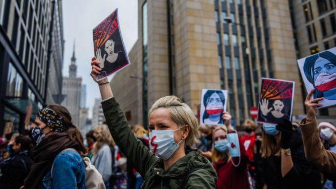 Abortus i Poljska: Zašto su žene na ulicama 1