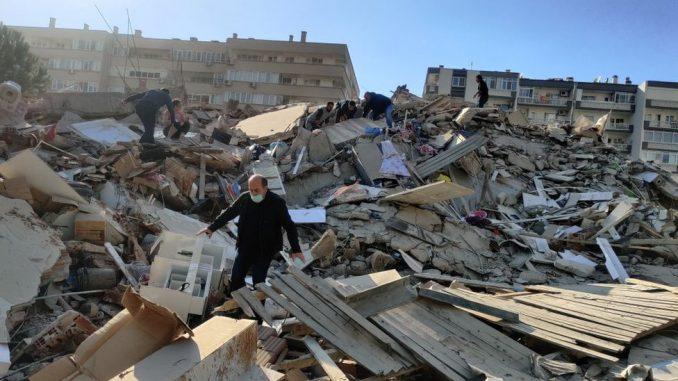 Zemljotres u Turskoj i Grčkoj: Jačina sedam stepeni, porušene zgrade u Izmiru, osetio se u Atini i Istanbulu 4