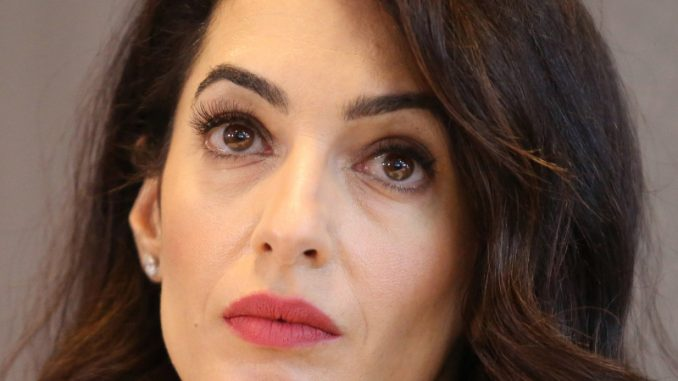 Amal Kluni: Nada za pravdu 1