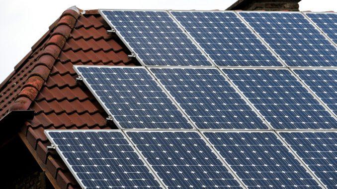 Struja iz solara jeftina u svetu ali ne i u Srbiji zbog fid-in tarifa 1